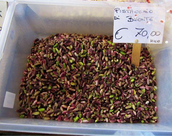 pistachio-in-crate