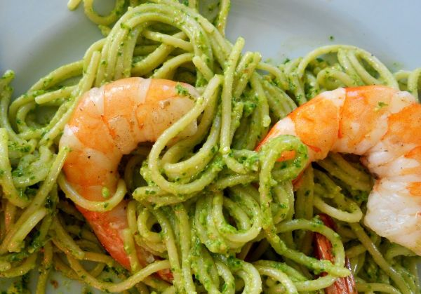 Pesto, Prawns and Linguine
