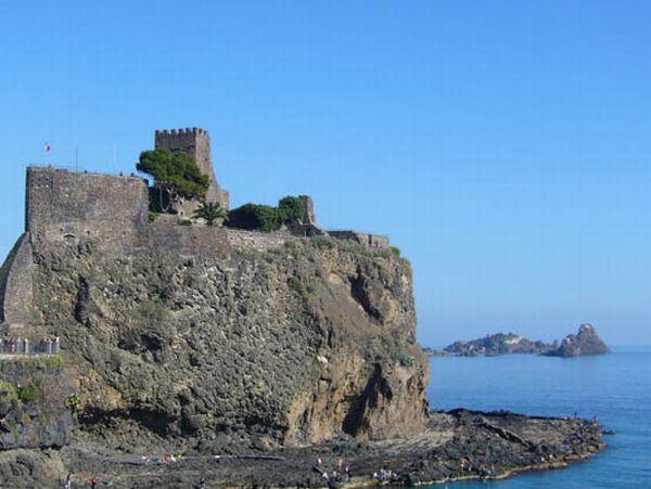acicastello-castello-normanno